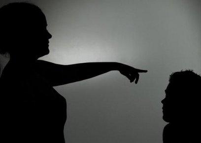سيدات يردن العنف بالعنف