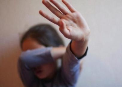 صورة أرشيفية لتعذيب طفلة