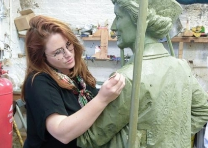 التمثال الذي يتم تجهيزه لليدي أستور