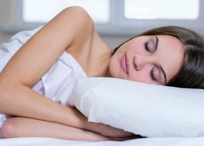 النوم عاريًا