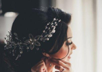 خبير مجوهرات يشرح طريقة اختيار الإكسسوارات الأنسب في يوم الزفاف
