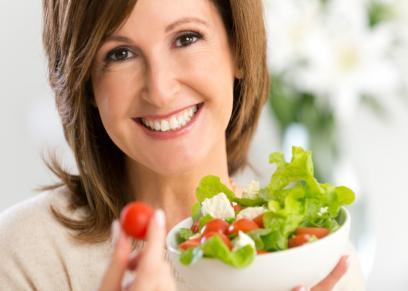 خبراء يقدموا نصائح لتناول الطعام دون زيادة في الوزن