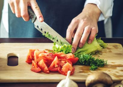 أخطاء يجب تجنبها عند الوقوف في المطبخ