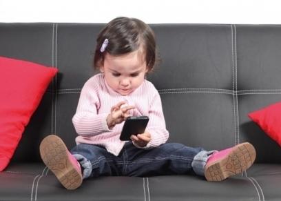 سلبيات استخدام الأطفال الموبايل