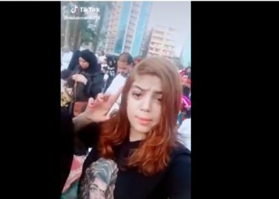 فتاة تثير الجدل بغنائها مهرجان شعبي لحمو بيكا خلف المصليين: