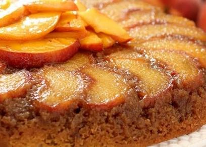 كعكة الخوخ