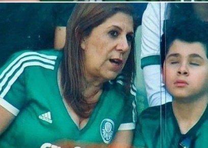 حقيقة صورة والدة المشجع الكفيف المتداولة