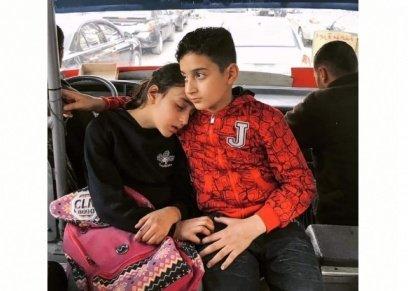 كواليس تصوير مشهد الطفل وشقيقته بالمواصلات العامة.. وقانونية تجيب