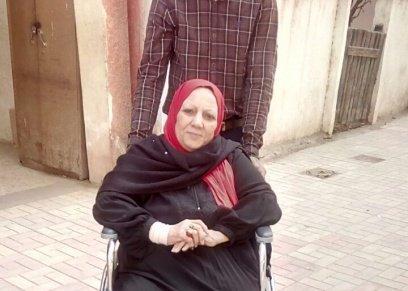 رغم إجرائها عملية قلب مفتوح.. نفسية محمد تشارك في الانتخابات على كرسي متحرك: