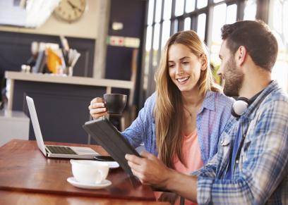 %65 من البريطانيات يفضلن دفع الفاتورة كاملة فى أول لقاء لهن مع الصديق
