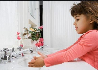 عادات صحية ضرورية لطفلك لضمان حمايته من الأمراض عقب العودة للمدارس