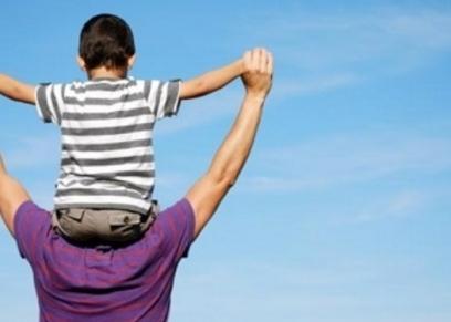 تعامل الآباء مع أبنائهم حسب البرج