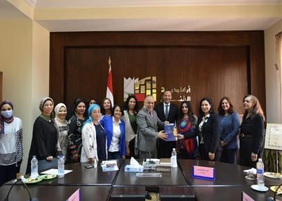 المجلس القومي للمرأة يزور اكاديمة الفنون