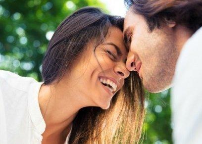 بحث جديد يوكد: الزواج عن حب يطيل عمر العلاقة
