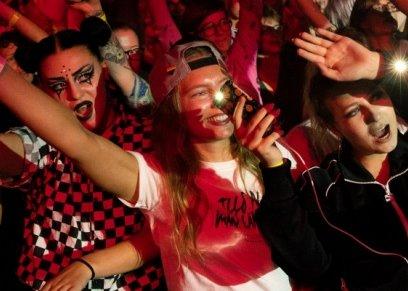 بالفيديو: تنظيم أول مهرجان مخصص للنساء في السويد لمحاربة التحرش