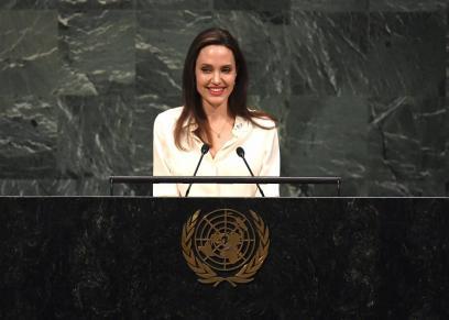 أنجلينا جولي تدعو لمشاركة النساء في أفغانستان بمحادثات السلام