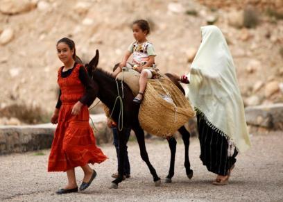 سوق متاجرة بالفتيات القاصرات في تونس