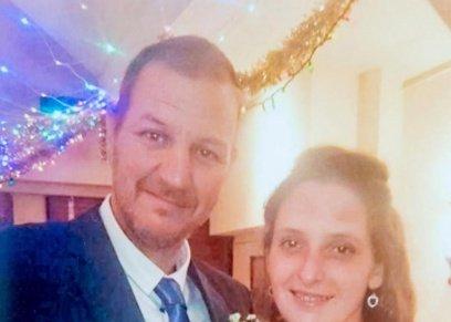 بالصور| رغم خيانته ومحاولة قتله.. زوج بريطاني يزور زوجته فى السجن ويحتفلا بعيد زواجهما