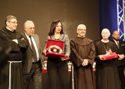 بالصور| المركز الكاثوليكي يُكرم مايا مرسي بيوم العطاء الحادي عشر