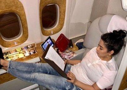 شيرين عبد الوهاب تسافر إلى دبي رغم حكم حبسها