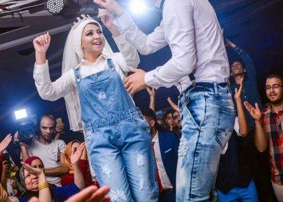 أمنية بالجينز في حفل الزفاف