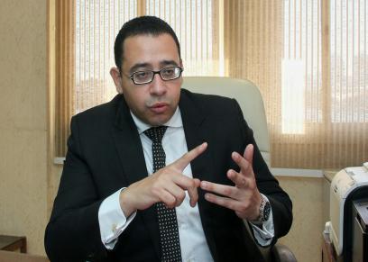 الدكتور عمرو حسن ..أستاذ مساعد نساء وتوليد بالقصر العيني