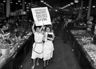 «حريق وورود وكِسرات خبز».. قصة تخصيص 8 مارس يوما عالميا للمرأة