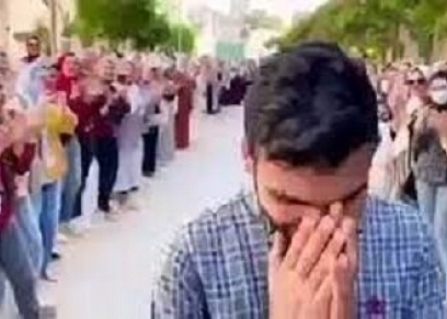 ممر شرفي لطالب صيدلة الزقازيق