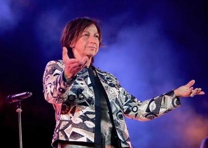 المغنية الإيطالية جانا نانيني