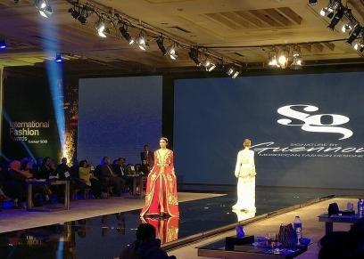 خلال عرض أزياء الأختين المغربيتان إيمان وابتسام  جنيون