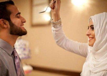 هل يحق للرجل أن يأمر زوجته بالصلاة والحجاب؟
