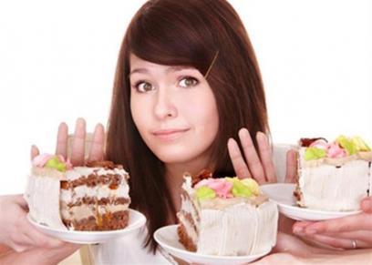 عادات غذائية لتجنب تناول الحلويات قبل النوم