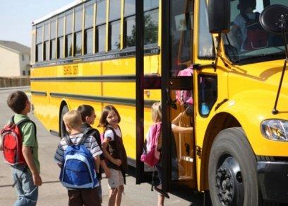 مصروفات الحافلات المدرسية مشكلة تواجه أولياء الأمور