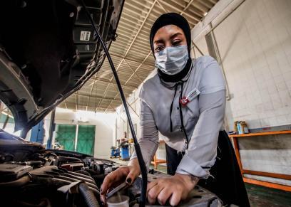 ريهام البارودى مهندسة ميكانيكا سيارات