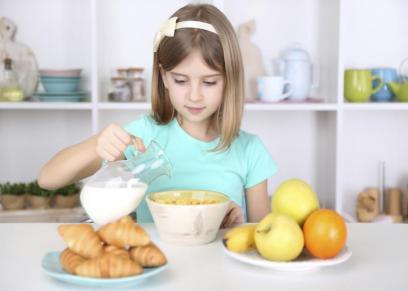 ما هي مكونات وجبة الصحية التي تساعد طفلك على التركيز والتحصيل الدراسي الجيد