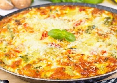 أومليت بالخضار والجبنة الرومي