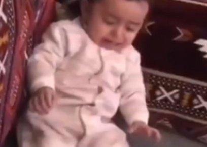 بكاء طفل رضيع