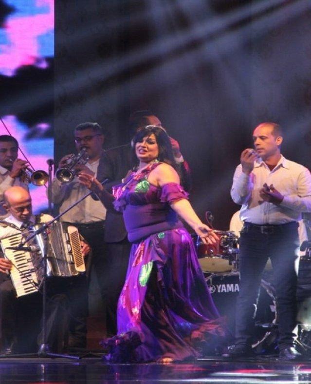 أول رقصة لفيفي عبده بعد عودتها
