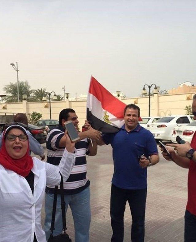 """""""أعلام وهتاف ورقص"""".. انتخابات المصريين بالخارج بنكهة نسائية"""