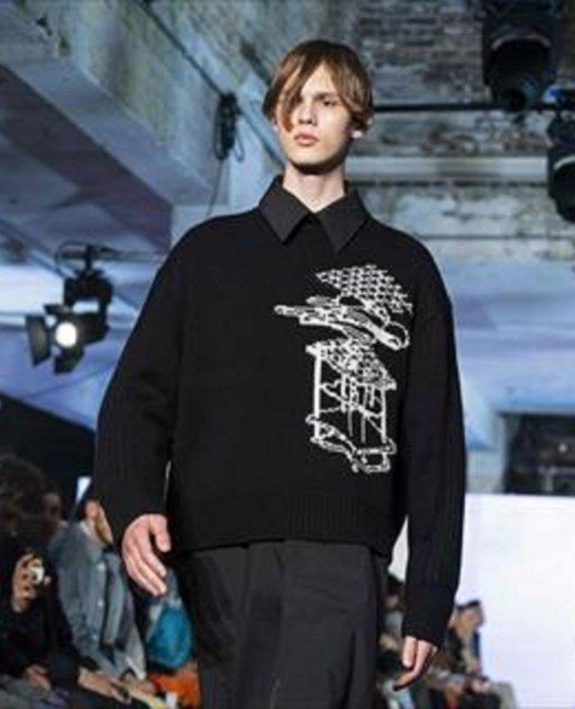 الرمادي و الاسود و  الموتنو  ابرز الاطلالات في اسبوع الموضة الرجالي في لندن