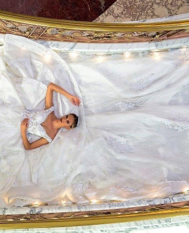 """""""سوبر موديلز"""" المنصورى تصور ازيائها قبل افتتاح «تيفانى فاشن ويك باريس» بدبى"""