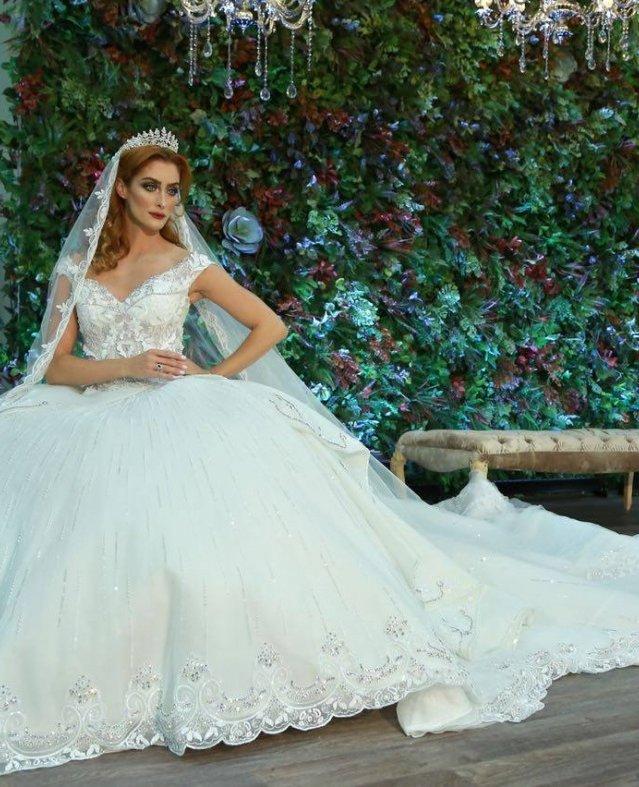 المنصورى تبهر الحضور بعرض أزياء متميز فى معرض عروس رأس الخيمة