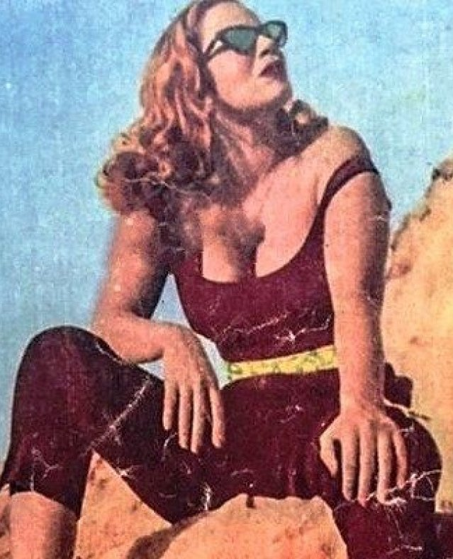 50 صورة لأيقونة الجمال هند رستم.. هكذا كانت ملكة الإغراء