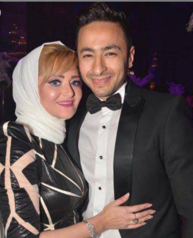 بعد تعرضها لحادث.. شاهد رومانسية حمادة هلال وزوجته