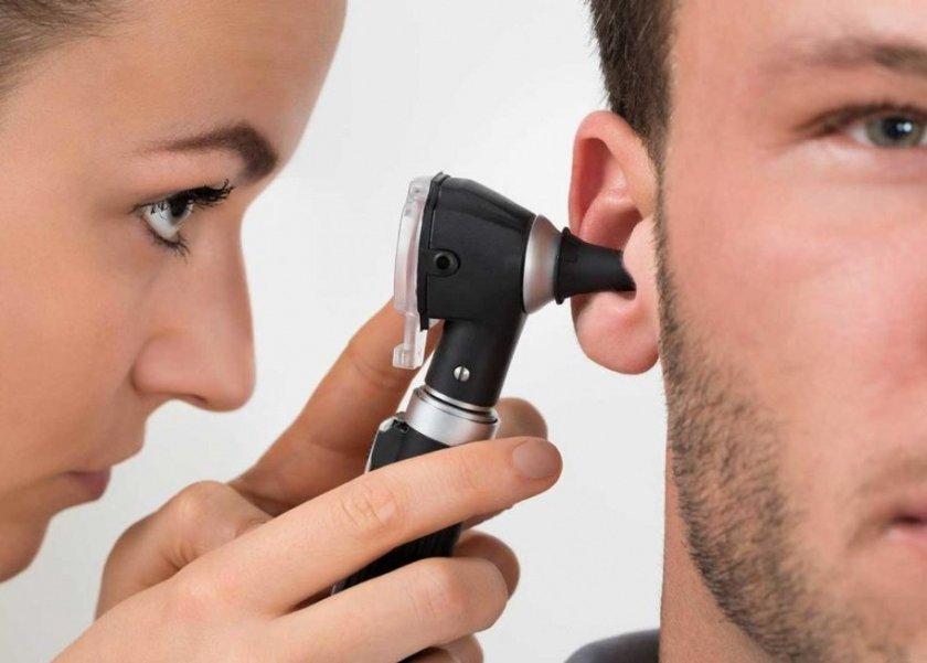 الأمهات يرحبن بمبادرة الكشف المبكر لضعف السمع: