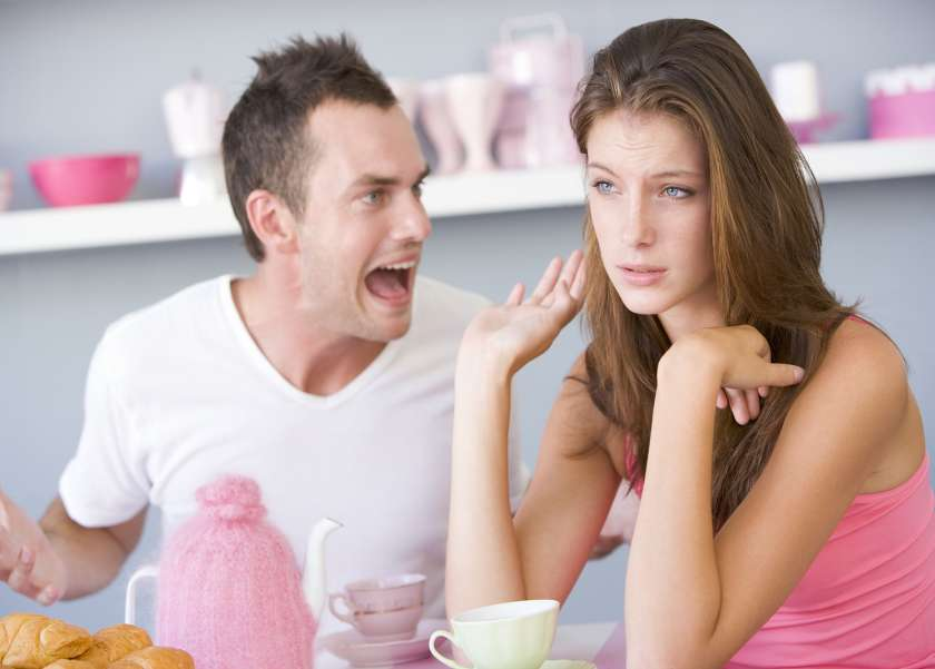 كيف تتغلبين على الخلافات الزوجية حول تربية الأطفال؟