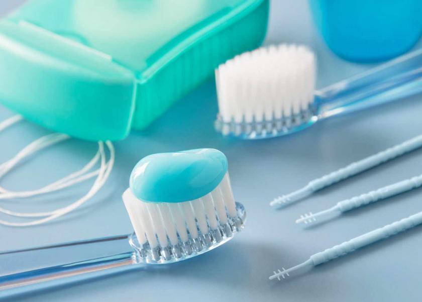 دراسة تكشف عن علاقة فرشاة الأسنان وخيوط التنظيف بالإصابة بالسرطان