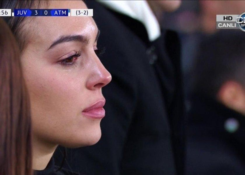 ea6a06290 صور من صديقة رونالدو إلى زوجة ميسي وراء كل أسطورة دموع امرأة في ...