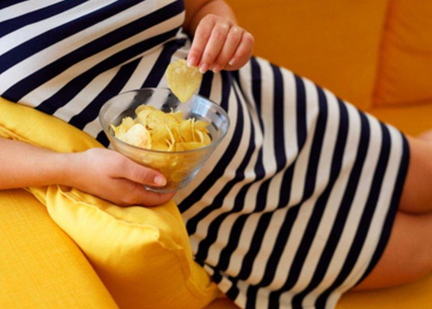 تناول الشيبسى أثناء الحمل يهدد صحة الجنين