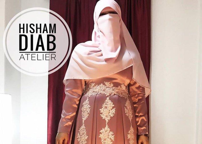 073f1f8f91837 بالصور تلميذ داغر والبحيري يصمم أول فستان سواريه للمنتقبات - المرأة